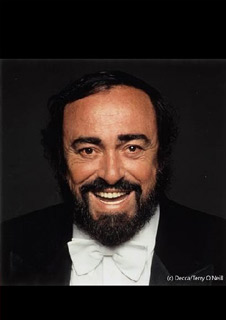 Pavarotti - Plus Satellite Q&A with exclusive content