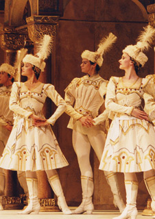 Royal Ballet: Concerto / Enigma Variations / Raymonda Act III (Live)